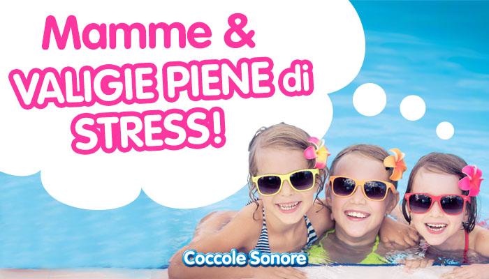tre bambine con occhiali da sole in piscina sorridenti mamme & valigie piene di stress! coccole sonore