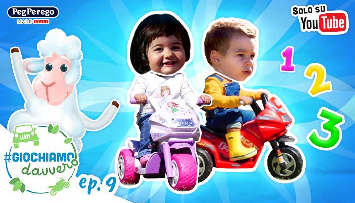 bambini guidano moto elettriche peg perego